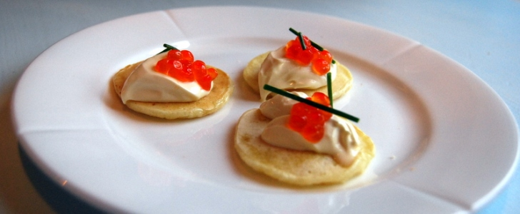 Post image for Blinis med creme fraiche og lakserogn